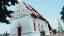 โบสถ์นี้สวยมาก สีขาวกับแดงตัดกันโดดเด่นสะดุดตา