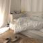 วางฟูกนอนและของประดับห้องไว้กับพื้น